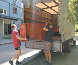 вывоз мусора из гаража (Днепр) с компанией ГрузОК